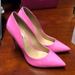b3c20cf9b6a7c Steve Madden Shoes - brand new steve madden daisie pink pumps size 9!